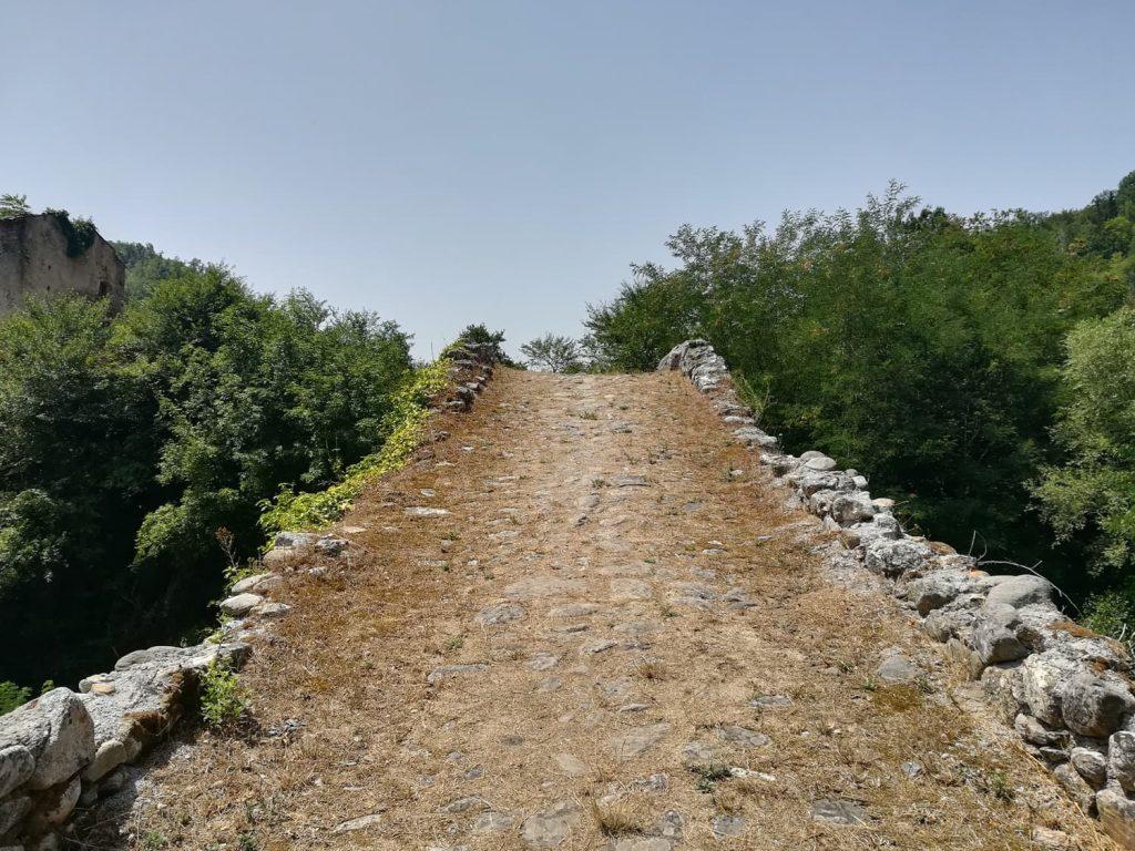 ponte romano sul savuto